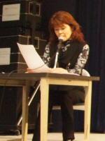 「年忘れ 歌声フォーク」 DJの米塚禎子さん