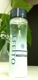 高機能化粧水『アルフェイト』がガラス瓶に入っている理由。