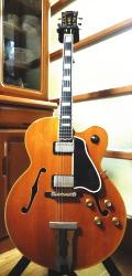 池田定男さん所有のヴィンテージのジャズギター