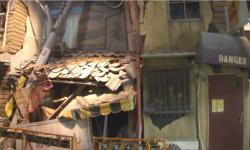 地震で倒壊した町は危険がいっぱい!